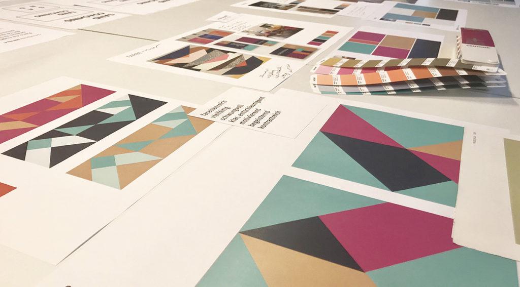 Entwicklung eines Designs: Entwicklung einer Farbwelt in Kombination mit einem Muster